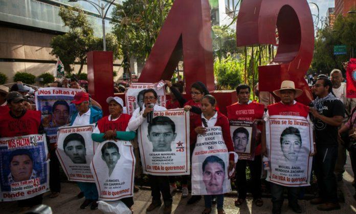 Exponen nuevas evidencia del caso de los 43 desaparecidos