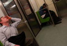 Multarán a quien se duerma en Metro de CDMX