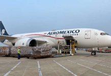 Sale rumbo a México vuelo número 12 con más suministros médicos