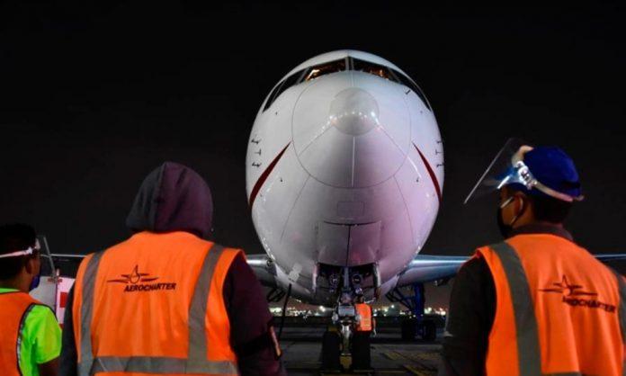 Llega vuelo 15 a México con insumos médicos