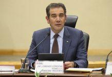 Ofrece Lorenzo Córdova conferencia sobre los retos de la democracia